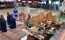 Các bô lão thực hiện nghi lễ tế cổ truyền