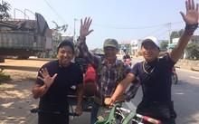 Hành trình của ông Công được nhiều bạn trẻ ngưỡng mộ, ngỏ ý giúp đỡ. Ảnh: NVCC