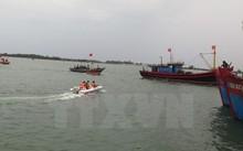 Ngày 22/5 bắt đầu trục vớt tàu chở xi măng chìm tại cảng Lạch Huyện