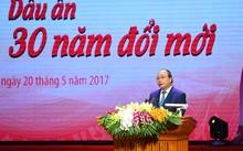 Thủ tướng mong rằng các tập thể, cá nhân được vinh danh tiếp tục năng động, sáng tạo để cống hiến nhiều hơn cho đất nước. Ảnh: VGP/Quang Hiếu