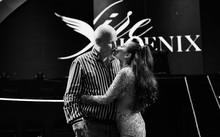 Chồng Tây trao Thu Minh nụ hôn ngọt ngào trong liveshow 25 năm