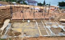 Việc xây dựng 40 móng biệt thự không phép ở Sơn Trà đang có nguy cơ bị sạt lở khi mùa mưa đến