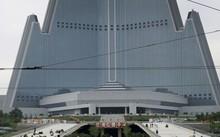 Tòa nhà Ryugyoung được khánh thành ngày 27/7. Ảnh: SCMP