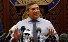 Thống đốc đảo Guam Eddie Calvo. Ảnh: Reuters.