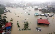 Bão số 10 tăng tốc, gần 50.000 người dân miền Trung phải sơ tán