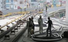 Thi công cầm chừng tại ga Láng thuộc tuyến Cát Linh - Hà Đông. Ảnh: Báo Giao thông