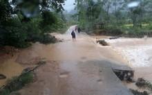 Nước lũ đang dâng cao ở các địa phương Nghệ An (Ảnh: Lao động)