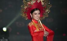 Huyền My lộng lẫy trong vòng thi đầu tiên Hoa hậu Hòa bình Thế giới