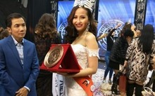 Khánh Ngân đăng quang Hoa hậu Hoàn cầu 2017