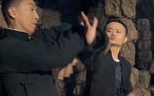 """Dân tình """"sốt xình xịch"""" ngắm Jack Ma múa võ trong trailer phim mới"""