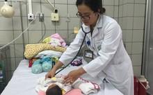 2 bé sơ sinh bị nhiễm khuẩn được ra viện hôm nay