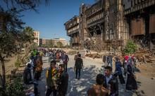 Trường ĐH Mosul bị thiêu rụi bởi phiến quân IS đang thu hút nhiều sinh viên trở lại. (Nguồn: NYTimes)
