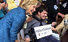 Mark và bà Hillary Clinton