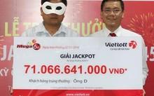 Người đàn ông hơn 40 tuổi nhận giải xổ số gần 70 tỷ đồng