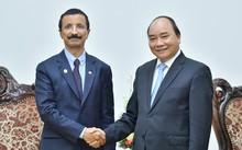 Thủ tướng Nguyễn Xuân Phúc tiếp Chủ tịch, Tổng Giám đốc Tập đoàn DP World của UAE. Ảnh: VGP/Quang Hiếu