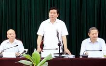 Bí thư Thành ủy Đinh La Thăng phát biểu chỉ đạo tại cuộc họp với Huyện ủy Bình Chánh.