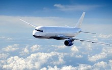 Màu trắng được xem là phù hợp và an toàn nhất để sơn lên máy bay. Ảnh: Chennai Meme.