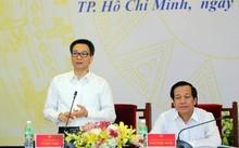 Phó Thủ tướng Vũ Đức Đam nhấn mạnh, để đổi mới, nâng cao chất lượng GDNN nhất định phải đẩy mạnh tự chủ cho các trường nghề, gắn kết chặt chẽ với DN và theo đúng xu hướng quốc tế. Ảnh: VGP/Đình Nam