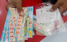 Vé Vietlott in sẵn bị phát hiện bán dạo cùng với vé XSKT truyền thống tại Cà Mau.