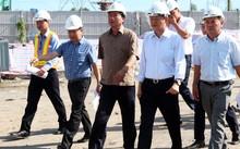 Bí thư Thành ủy TP HCM đi kiểm tra công trình thi công dự án chống ngập 10.000 tỷ.
