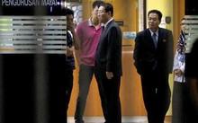 Đại sứ Triều Tiên tại Malaysia Kang Chol tại nhà xác bệnh viện Kuala Lumpur, nơi lưu giữ thi thể ông Kim Jong-nam, người mang hộ chiếu Triều Tiên tên Kim Chol.