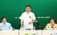 Bí thư Đinh La Thăng tại buổi làm việc với Tổng liên đoàn Lao động chiều 23/2.