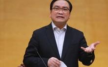 Bí thư Thành uỷ Hà Nội Hoàng Trung Hải phát biểu tạii cuộc làm việc với Quận uỷ Tây Hồ sáng 28/2. Ảnh: Võ Hải.