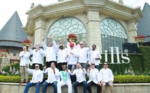 Đầu bếp Bà Nà Hills 'trổ tài' với 12 đầu bếp quốc tế