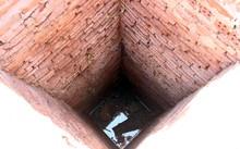 Giếng có hình vuông, được xếp đá từ dưới lên. Ảnh: Đắc Thành.