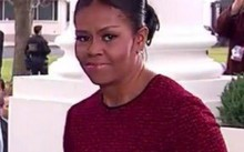 Ánh mắt gây nhiều đồn đoán của bà Michelle trong ngày Trump nhậm chức.