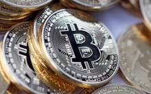 Một Bitcoin hiện có giá 1.942 USD - cao nhất từ trước tới nay.