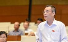 Đại biểu Trần Văn Minh (Quảng Ninh) chất vấn về tình trạng lạm chi ngân sách. Ảnh:Quốc hội