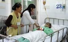 Bệnh nhân điều trị rắn cắn tại Bệnh viện Chợ Rẫy. Ảnh: T.P
