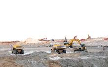 Công trường khai thác mỏ sắt Thạch Khê, Hà Tĩnh. Ảnh: PV.