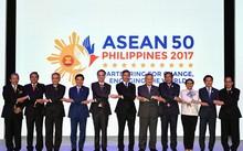 Asean và Trung Quốc thông qua dự thảo khung COC ngày 6/8 tại Philippines. Ảnh: getty images.