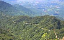 Vườn quốc gia Bạch Mã sẽ được xây dựng hệ thống cáp treo. Ảnh: Võ Thạnh.