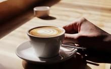 Lạm dụng cà phê có thể làm vòng một suy giảm nghiêm trọng.