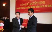 Ông Nguyễn Đình Thuận (bên phải) được bổ nhiệm chức vụ mới.