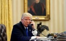 Tổng thống Donald Trump ở phòng Bầu Dục, Nhà Trắng ngày 27/1. Ảnh: AP.