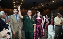 Lê Xuân Giang và lãnh đạo Liên Kết Việt trong một buổi hội thảo.