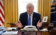 Ông Trump thường uống nước ngọt có ga khi làm việc ở Nhà Trắng. Ảnh: Reuters.