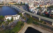 Tuyến đường sắt Cát Linh - Hà Đông đi qua đoạn Hoàng Cầu.