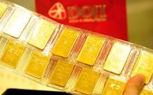 Giá vàng trong nước đắt hơn thế giới khoảng 2,8 triệu đồng mỗi lượng.