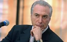 Những cáo buộc Tổng thống Termer nhận hối lộ gây biến động kinh tế lớn tại Brazil.