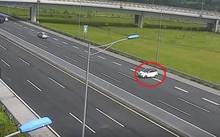 Chạy ngược chiều trên cao tốc, nữ tài xế bị phạt 7 triệu đồng