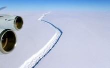 Vết nứt ở thềm băng Larsen C ngày 10/11/2016. Ảnh: NASA.