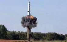 Tên lửa đạn đạo đất đối đất tầm trung Pukguksong-2 được phóng thử từ vùng Pukchang thuộc một tỉnh miền tây Triều Tiên (ảnh do Hãng thông tấn KCNA của Triều Tiên đăng phát ngày 22/5).