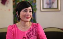 Tạo hình 'đồng bóng' của NSND Minh Hoà trong phim 'Những người nhiều chuyện' sẽ lên sóng VTV1 cuối tháng 6 tới.