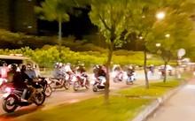 """Hàng trăm """"quái xế"""" náo động đường Võ Văn Kiệt, đoạn thuộc quận 1 và quận 5, TP.HCM. Ảnh cắt từ clip."""