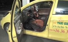 Chiếc taxi bị tên cướp thuê đi và đâm trọng thương tài xế